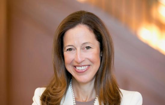 Stephanie Miller Pierce, BNY Mellon